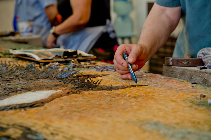 mural-los-caballos-William-Matthews-mosaicos-venecianos-mvm-studios10